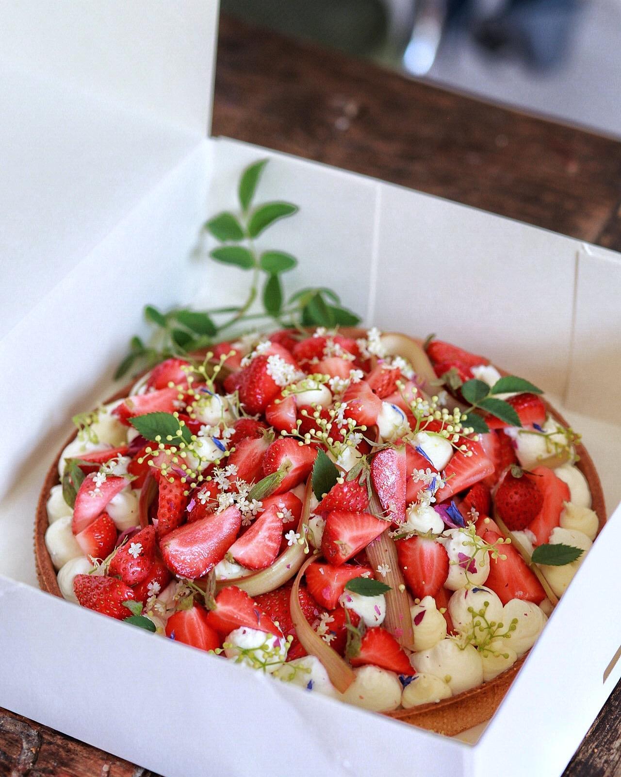 Tarte aux fraises - crème verveine 4/5 personnes